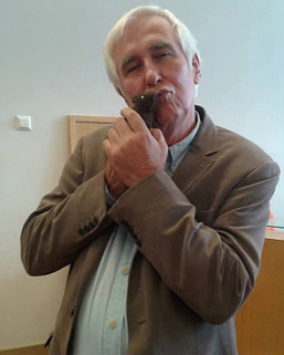 Ian Dunbar with scentwork mouse